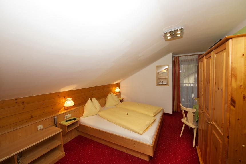 Zimmer-Doppelzimmer-Etage-Balkon