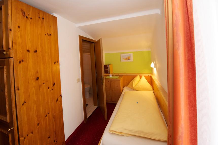 Zimmer-Einzelzimmer-Balkon-2
