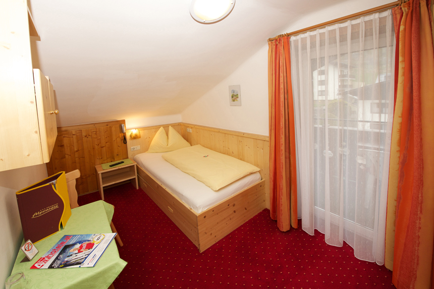 Zimmer-Einzelzimmer-Etage-Balkon