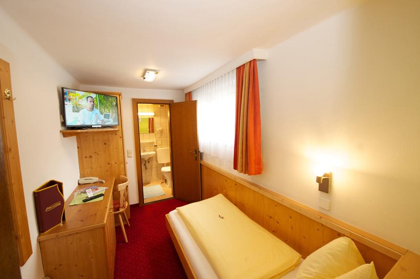 Zimmer-Einzelzimmer-ohne-Balkon