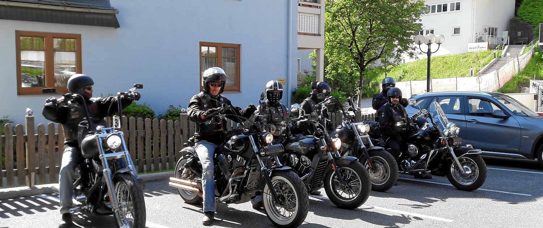 Motorradfreunde aus der Schweiz