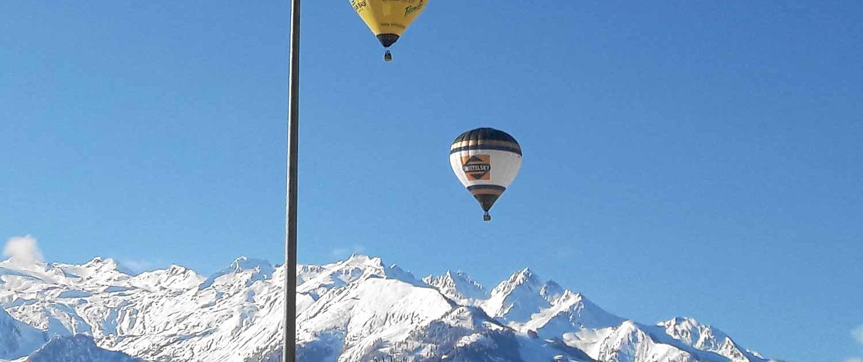 Heißluftballons mit Blick nach Kaprun