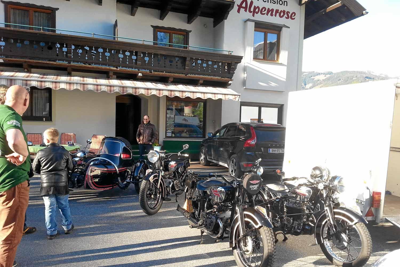 Pension Alpernose alte Puch MotorrädeZell am See